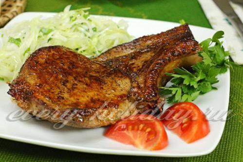 Жареная свиная корейка в соевом маринаде