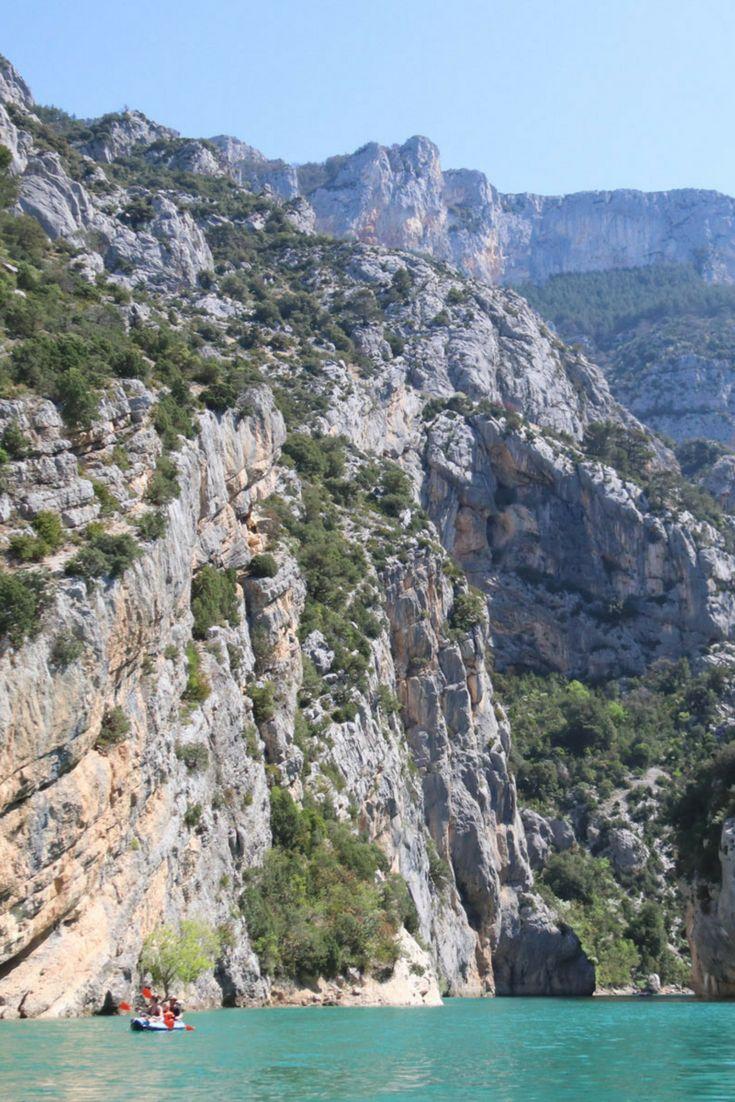 Leuke activiteit op vakantie met kinderen: waterfietsen in de Gorges du Verdon, Provence, Frankrijk