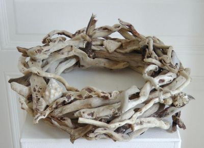 25 best ideas about driftwood wreath on pinterest. Black Bedroom Furniture Sets. Home Design Ideas
