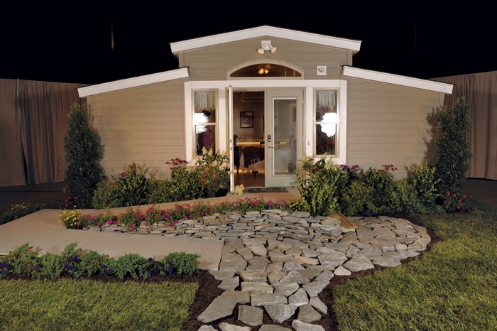 1000 ideas about granny pod on pinterest guest cottage for Granny pod builders