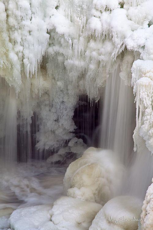 Frozen Waterfall//