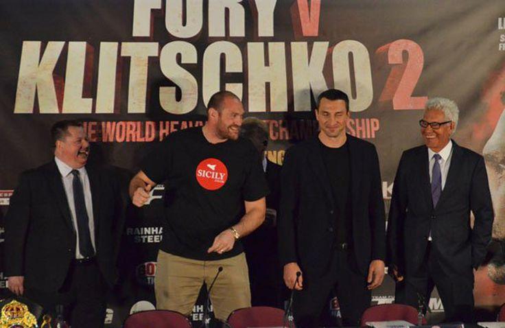 Bei der gestrigen Pressekonferenz in der Manchester Arena, Manchester (UK), haben sich Wladimir Klitschko und der amtierende WBO, WBA Super, IBO und