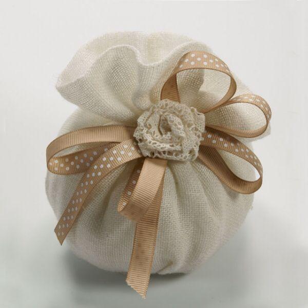 Immagine di http://www.casaregali.it/2055-3342-thickbox/sacchetto-portaconfetti-in-garza-di-cotone-per-matrimonio.jpg.