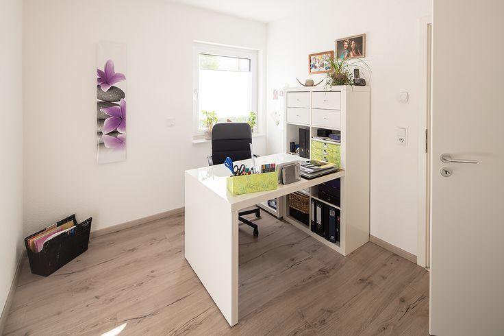 Kleines schlichtes Arbeitszimmer Arbeitszimmer Pinterest - theke für wohnzimmer