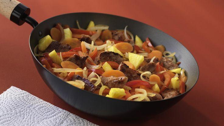 Deliciosa receta de carnes. Wok de cerdo con piña y brotes de soja. Cómo hacer esta receta económica, rápida y fácil. Wok de cerdo con piña y brotes de soja