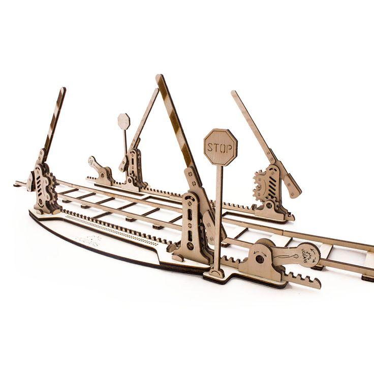Переезд UGEARS - это механический 3D пазл из дерева. Оригинальный и экологичный конструктор для детей и взрослых.