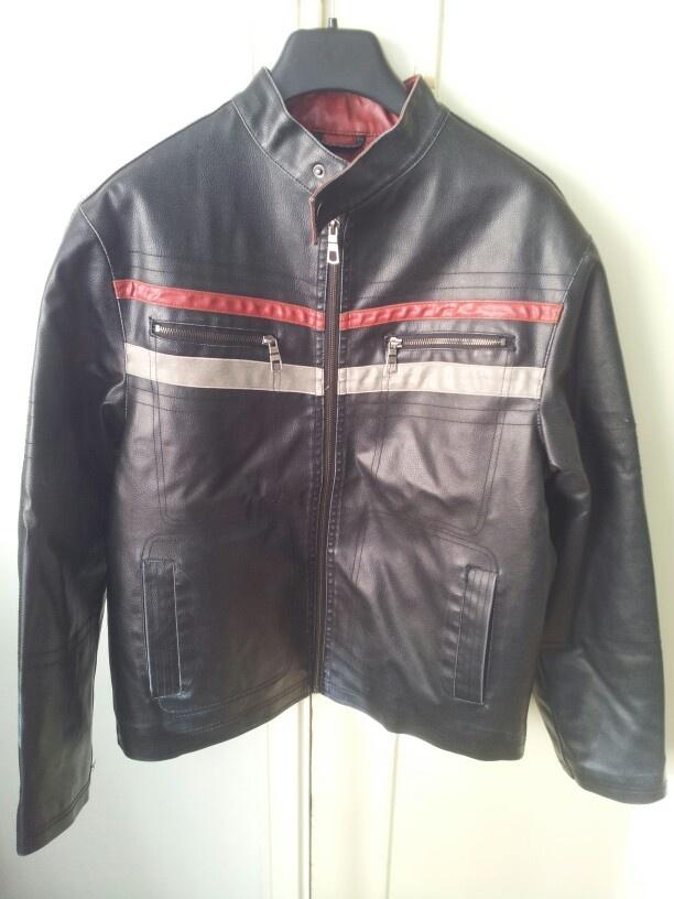 Bikers leather jacket. Knappt använd