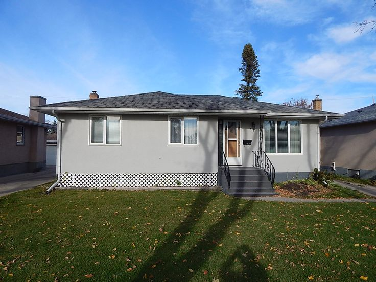Call Benny Woligroski at 204-999-3338 or visit http://www.bennywoligroski.com/Properties.php/Details/140/319-oakland-avenue-winnipeg-manitoba to view this 3 bed, 1 bath Single Family Home in the North Kildonan area of Winnipeg!