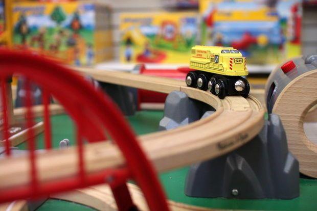 Thinker Toys, 'a joyful place,' celebrates 20 years in Multnomah Village | OregonLive.com