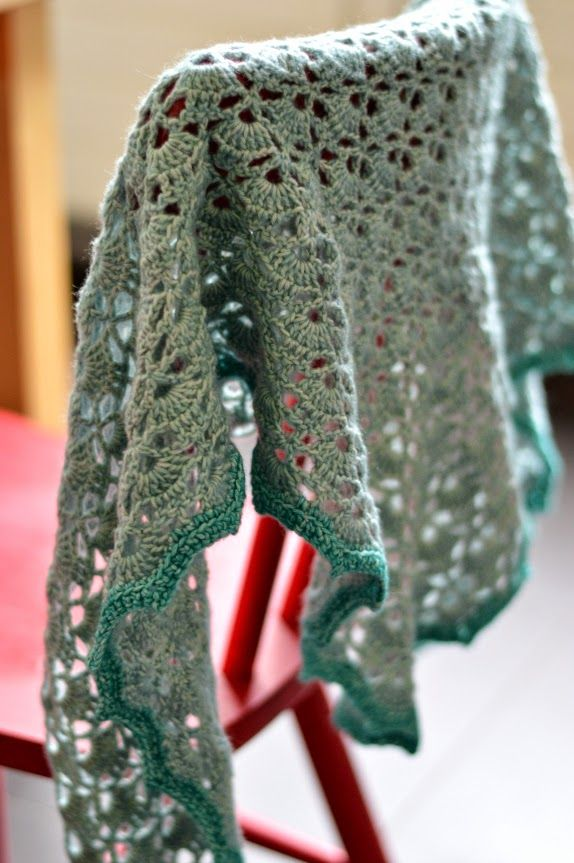 Ellebel, south bay shawlette met link naar ned. patroon, tevens uitleg rand Post van 9-7-2014