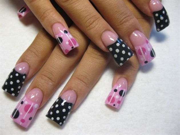 I don't have nails this long but I think the design could be adapted to shorter nails.