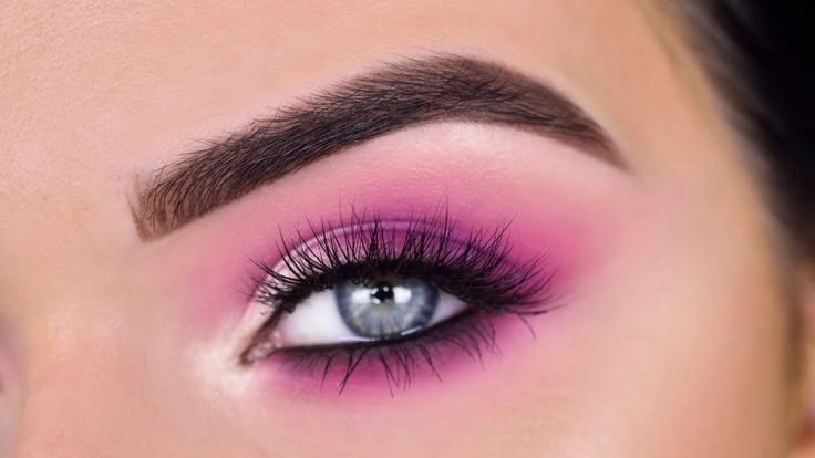 Pin By Lauren Fox On Red Shadow In 2020 Pink Eye Makeup Pink