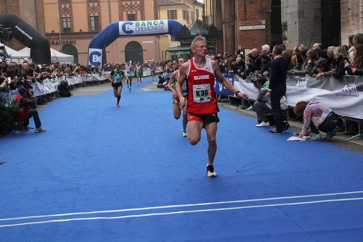 Tweet TweetQuesto post è stato letto 1volte!Ecco il link dove potete trovare tutte le foto della Mezza Maratona di Cremona 2013  Foto Mezza Maratona di Cremona 2013