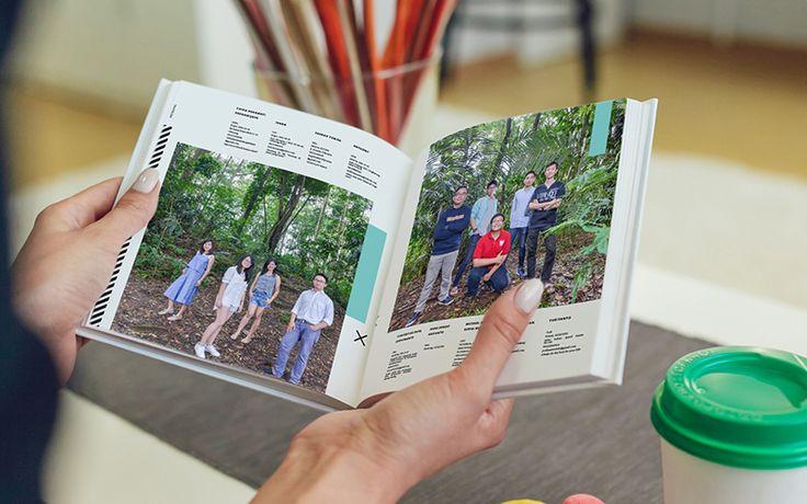 konsep foto dan susunan halaman buku tahunan sekolah