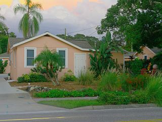 Delightful+Cottage,+Walk+to+Downtown+Dunedin!+++Vacation Rental in Clearwater Area from @homeaway! #vacation #rental #travel #homeaway