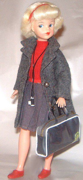 http://www.sindy-dolls.com/images/60s%20dolls/HAPPY%20TRAVELLER12.jpg