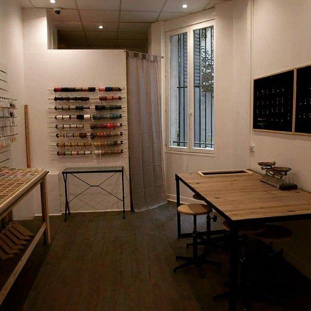 un petit espace de création de rêve :) ateliers à la rentrée de septembre #lecomptoiraperles #perles #création #DIY #bijoux #jewelry #jewels #beads #doityourself #accessories #accessoires #handmadejewelry #handmade #faitmain #onvousattend