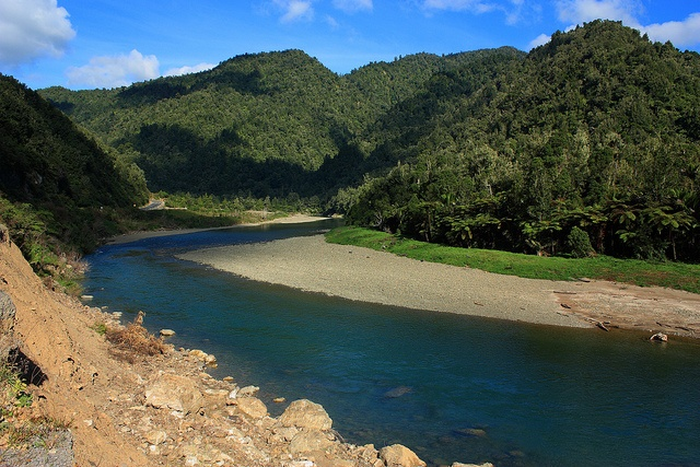 Matawai Gorge - Between Opotiki and Gisborne by Quiltsalad, via Flickr