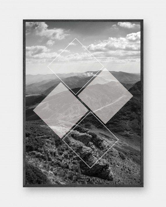Mountain Square: Sort hvid billede med geometriske firkanter. Designet har natur fotokunst udover klippe landskab med bjerge og himmel. Trykt på 200 gram papir. Se mere online på www.kasperbenjamin.com
