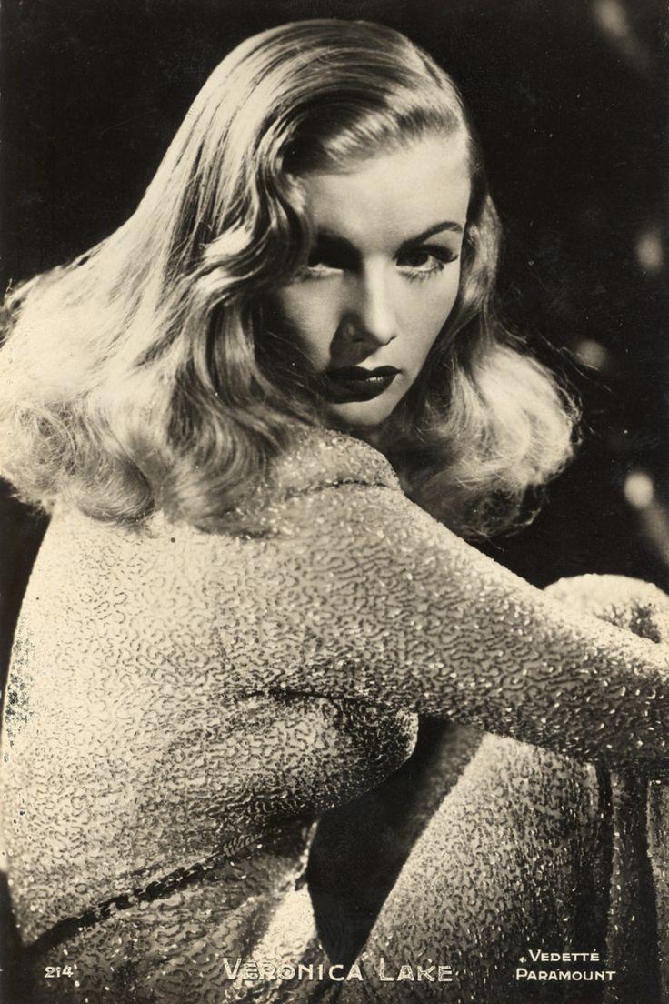 Veronica Lake. Good girl, looks bad. Saving her little sister from neighborhood. Men want to buy her things. Kiki.