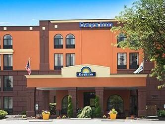 Reading (PA) Days Inn Reading-Wyomissing United States, North America Ideally located in the prime touristic area of Reading, Days Inn Reading-Wyomissing promises a relaxing and wonderful visit. The hotel offers a high standard of service and amenities to suit the individual needs of all travelers. Free Wi-Fi in all rooms, 24-hour front desk, facilities for disabled guests, car park, family room are there for guest's enjoyment. Designed for comfort, selected guestrooms offer a...