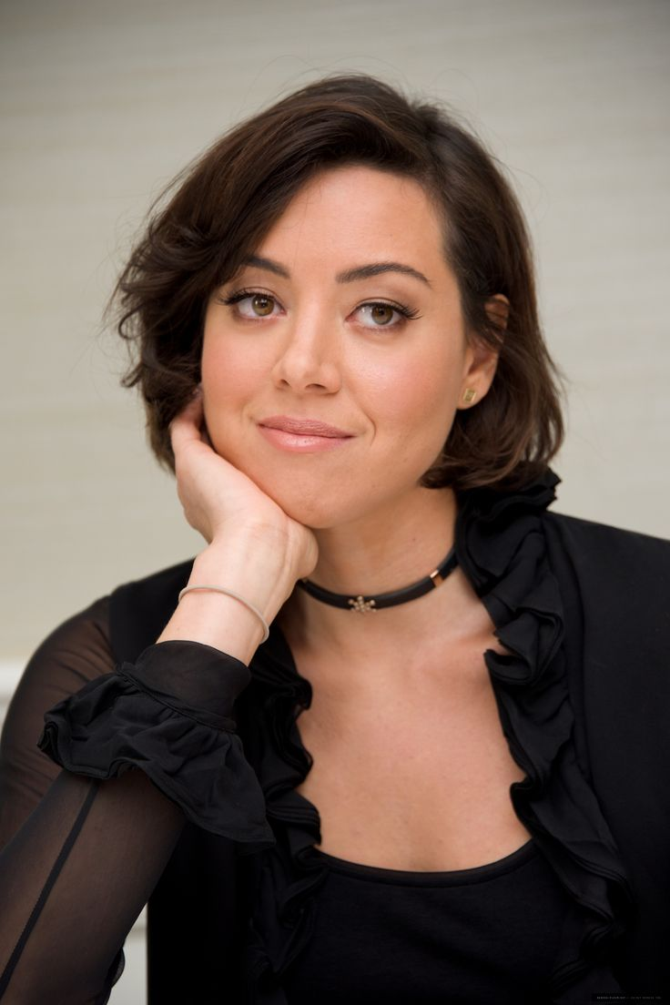 Best aubrey plaza images on pinterest aubrey oday girl
