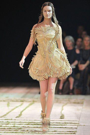 prachtige gouden jurk