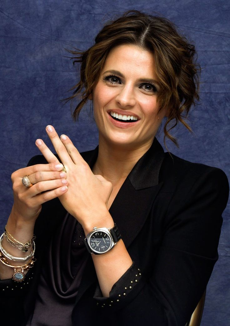 Panerai Women: Stana Katic PAM00183... Welcome to PaneraiMagazine.com Home of Jake's Panerai World...: Actress Wearing Panerai
