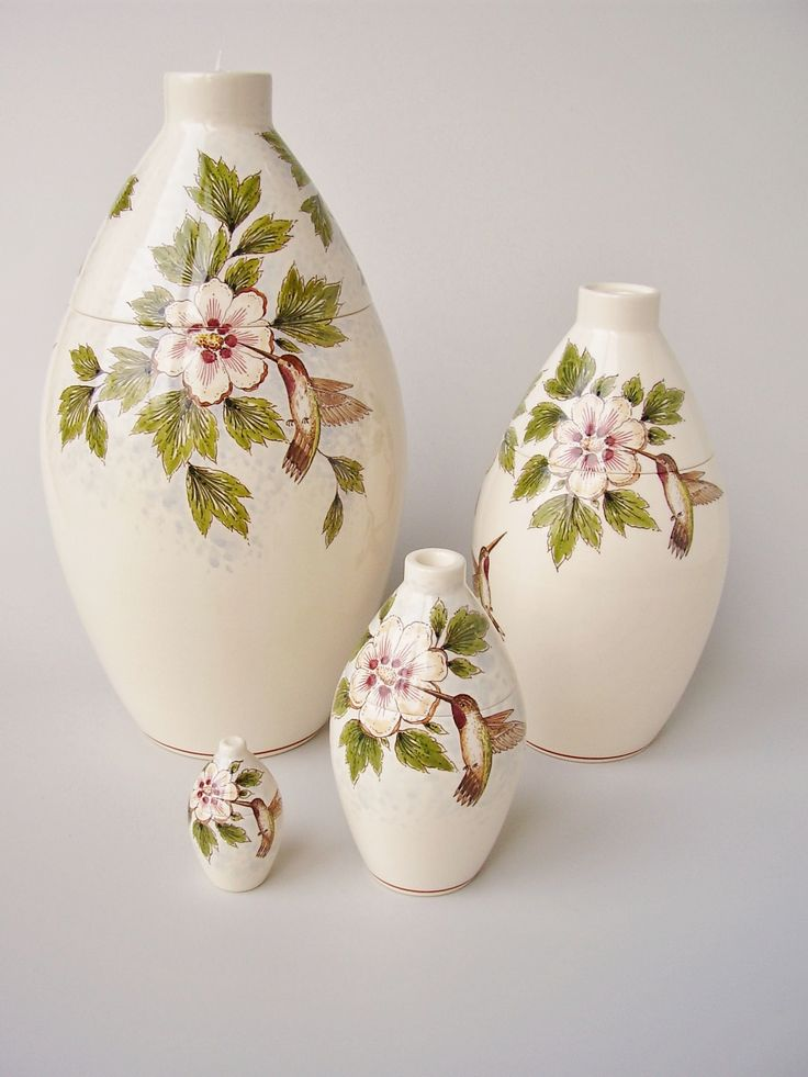 Hand painted cremation urn - Hummingbird - Phoenix Urns