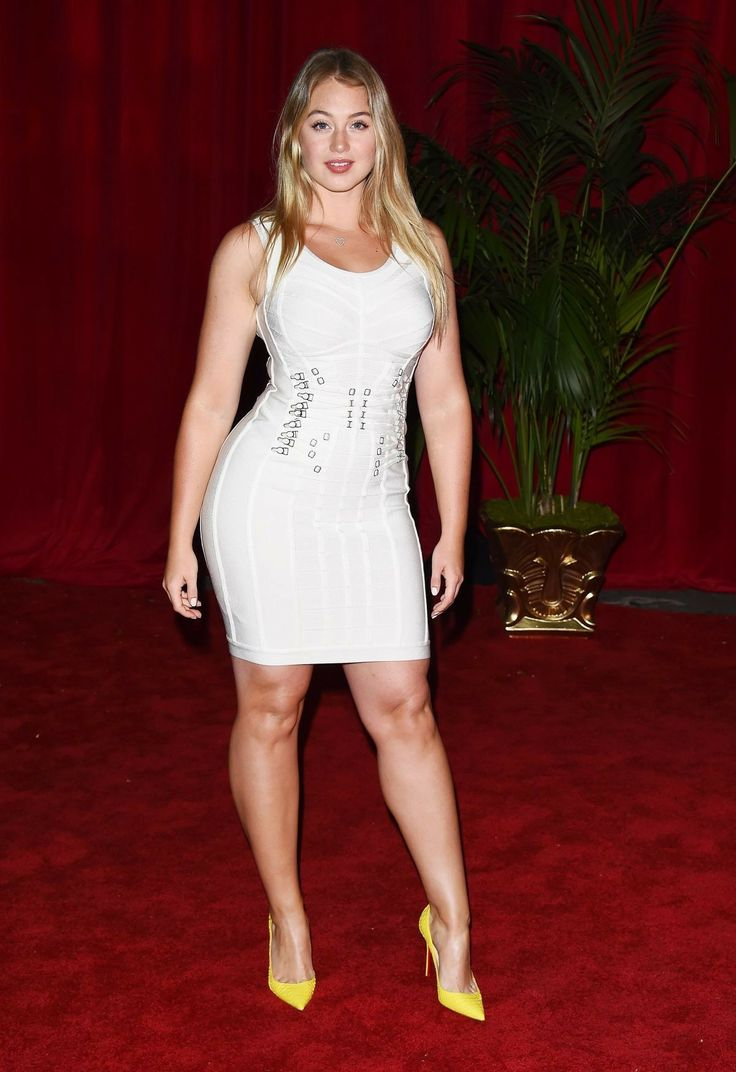 Iskra Lawrence Wiki, Feet, Workout, Diet, Nationality, Weight, Dress Size and Net worth