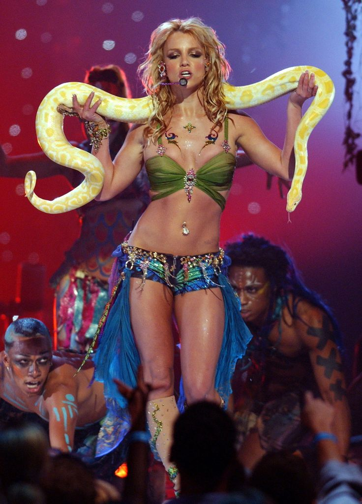 Britney Spears, 2001 VMAs.  all say she dates many men?  look at your lives no wonder wives hate you!  kick in the balls male celebrities!