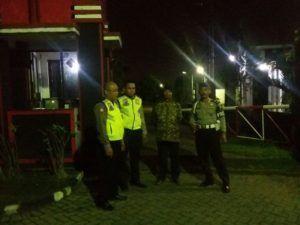Patroli Sambang Pos Satpam Untuk Memberikan Pesan Kamtibmas Oleh Anggota Polsek Sidoarjo Kota Polres Sidoarjo