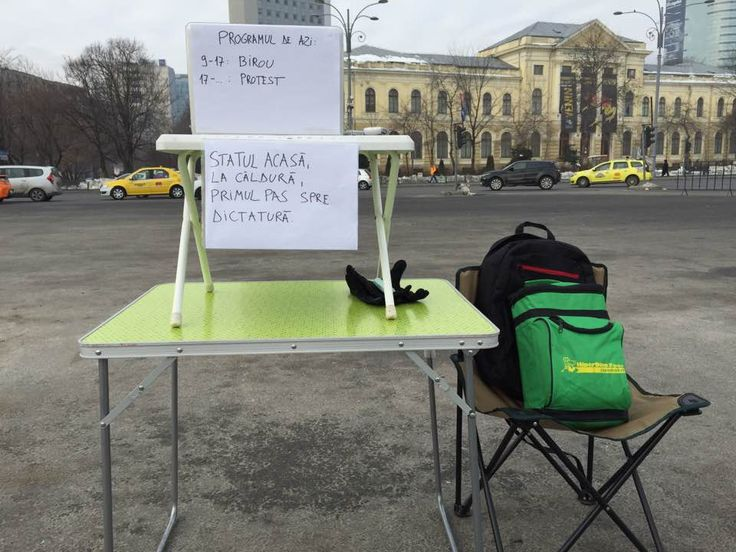 Andrei Rosu, a young Romanian entrepreneur, has moved his office in the middle of Victoriei Square in Bucharest so he can work and protest at the same time.