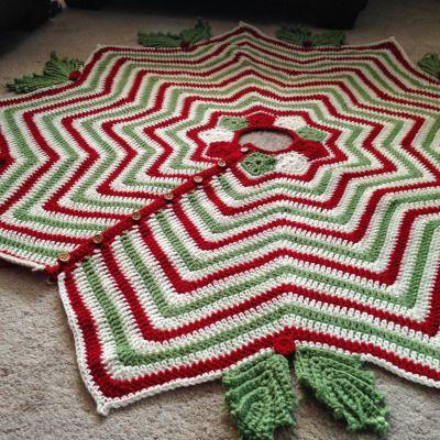 Christmas Tree Skirt free crochet pattern - Free Crochet Tree Skirt Patterns - The Lavender Chair