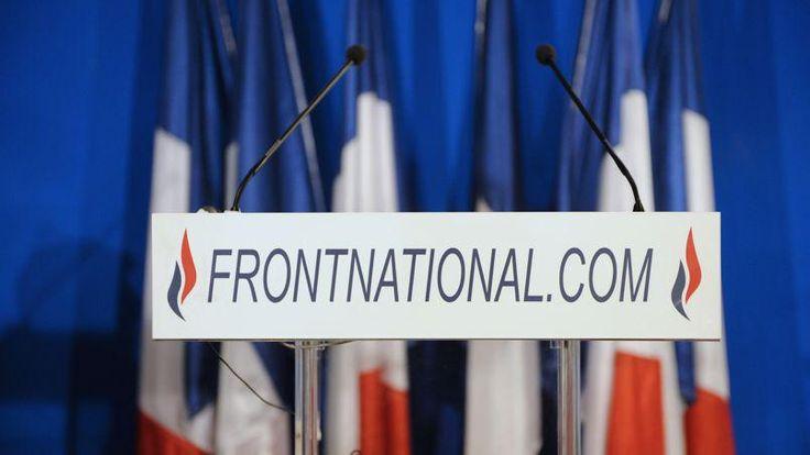 LE SCAN POLITIQUE - Le parti de Marine Le Pen doit trouver 40 millions d'euros pour faire face aux prochaines dépenses électorales. Selon Wallerand de Saint-Just, le trésorier du FN, la frilosité des banques françaises explique pourquoi le parti a dû se tourner vers des banques russes.