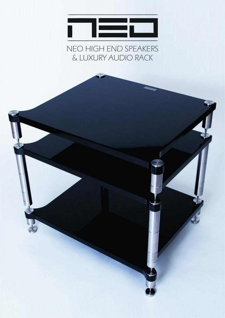 Audio rack NEO Quattron #neohighend #alpha #tripod #doubletripod #quattron #highendspeakers #luxuryaudiorack #accuton