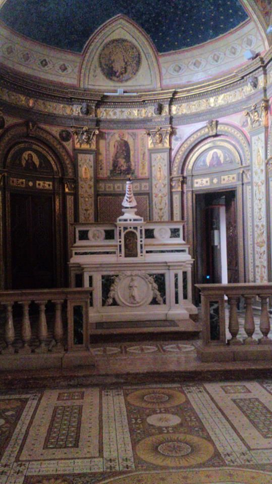 little chapel inside Villa Tittoni