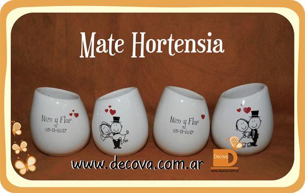 Mates hortensia decorados a dos colores para souvenirs de 15 años. totalmente personalizados con el dibujo, frase que vos quieras.... #cumpleaños #decoracion #deco #mates #decova #cumple #ceramica #casamiento #eventos #regalos