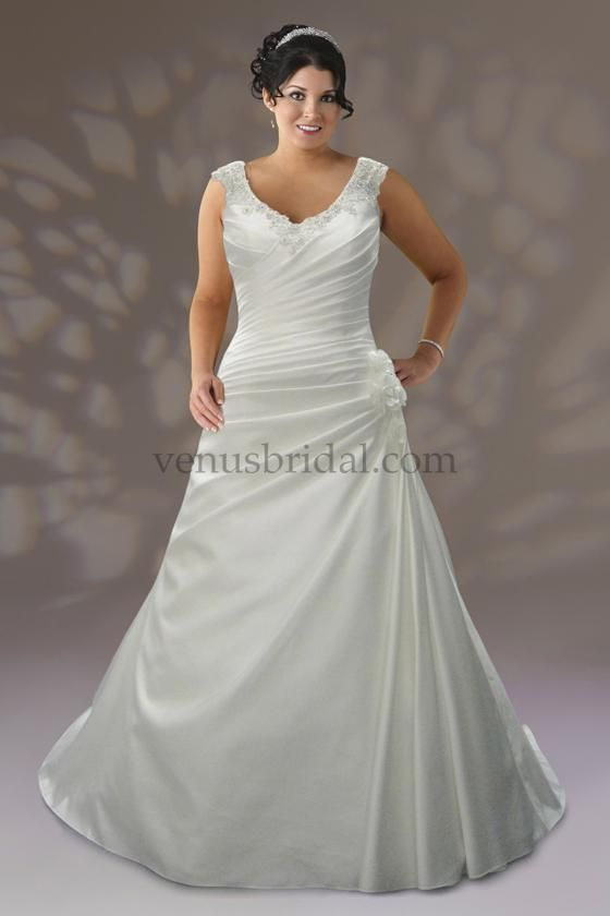 92 best plus size wedding dresses images on pinterest for Wedding dresses for short curvy women