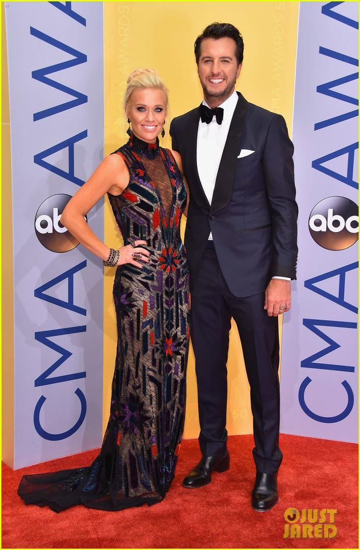 luke bryan cma awards 2016 | Luke Bryan Suits Up for CMA Awards 2016 with Wife Caroline Boyer ...