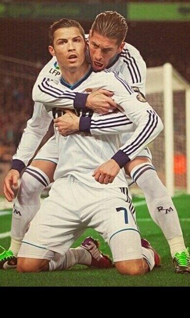 Dioses Cristiano Ronaldo Sergio Ramos halamadrid