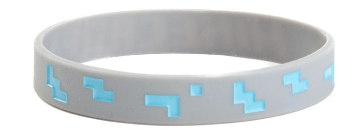 *Comfortable fit *Jelly construction *Officially licensed *Based off of the hit game Minecraft *Brand new *Makes a great gift for fans of all ages