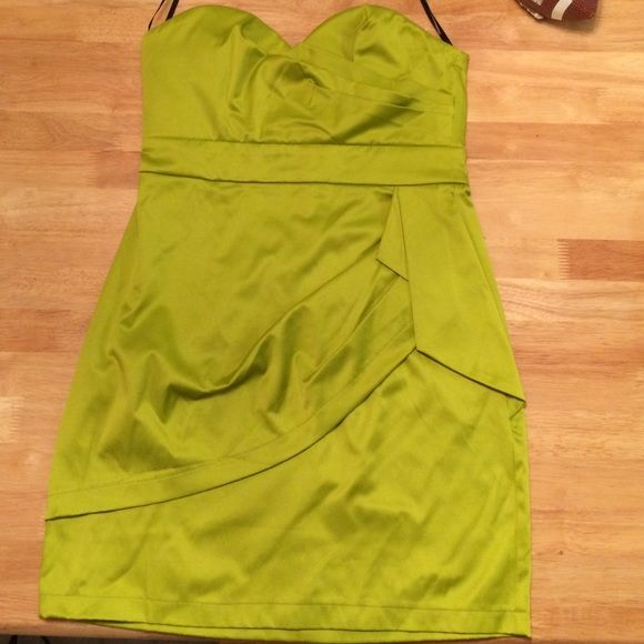 Lime green dress Never been worn! In really good condition! Strapless lime green dress. Dresses Strapless