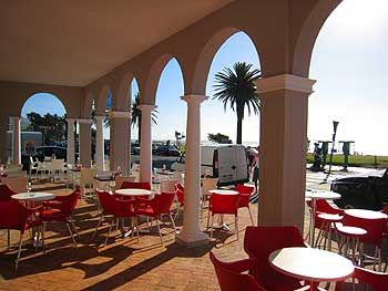 When the sun comes out we come out to play.  Who knows where this vida e coffee is located? ;)