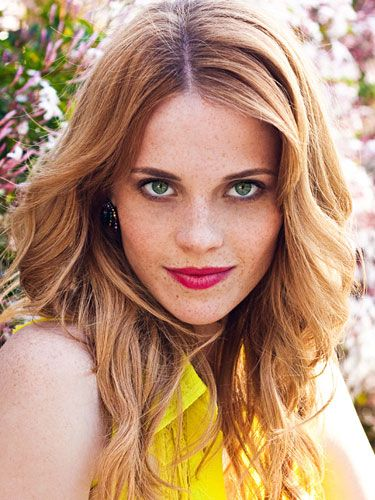 Katie LeClerc Spills Switched At Birth Deets!