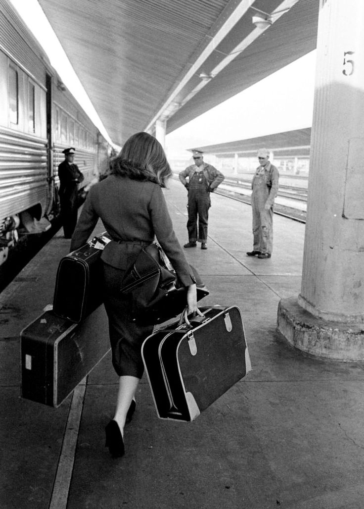 Ravageuses travel by train. | by Allan Grant