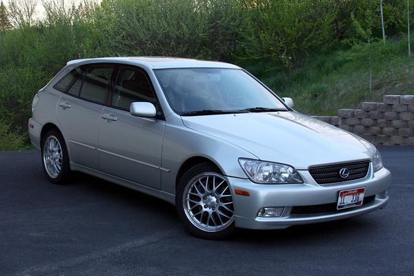 2002 Lexus IS300 SportCross