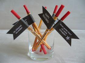 Kleines Kollegengeschenk für den Schulanfang Beim Einkaufen habe ich die letzten Tage gleich einen Schwung an Korrigierstiften mitgenommen...
