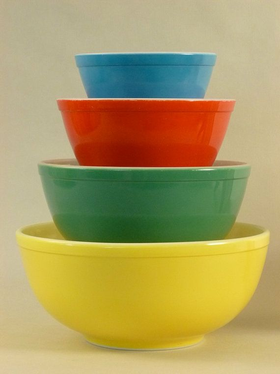 Vintage Pyrex Primary Colors Mixing Bowls by Zetro on Etsy, $110.00