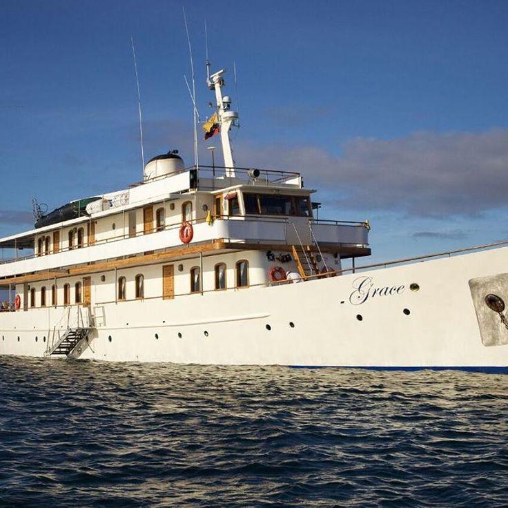 Dormire nella cabina di Roman #Abramovich, far rotta sulle #Galapagos con lo #yacht di #GraceKelly o veleggiare a Bermuda tra i cat volanti dell'#AmericasCup. Si può entrare nella vita (e nella barca) di un altro per sette giorni, grazie a selezionati broker, specializzati nel noleggio degli scafi più belli del mondo. Così la #sharingeconomy sale a bordo, nella sua versione più estrema.  Su #HTSI di maggio #yatch #barche #travel #travelling #luxury #lifestyle…